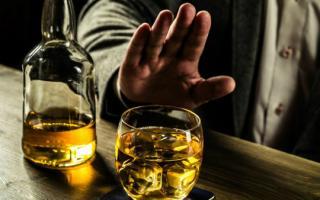 Nếu bắt buộc phải uống rượu thì đây chính là bí quyết bạn nên nắm để gan không bị hủy hoại